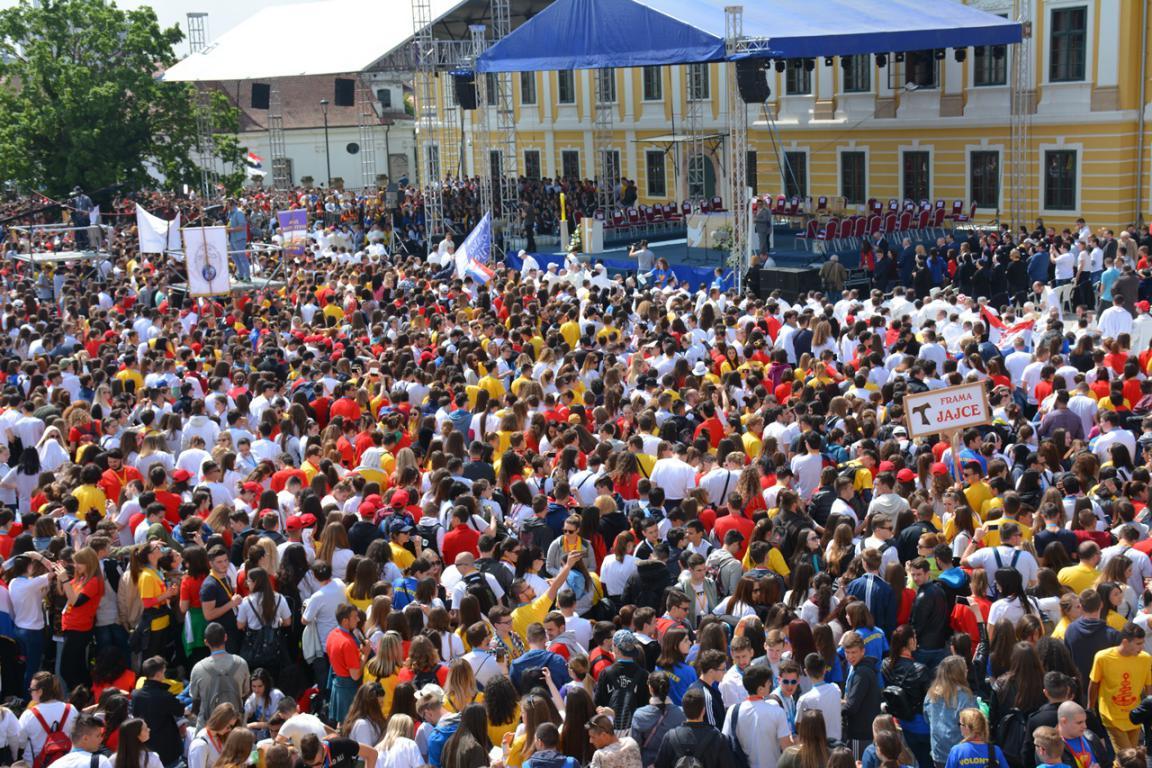 Susret hrvatske katoličke mladeži u gradu heroju - Vukovaru