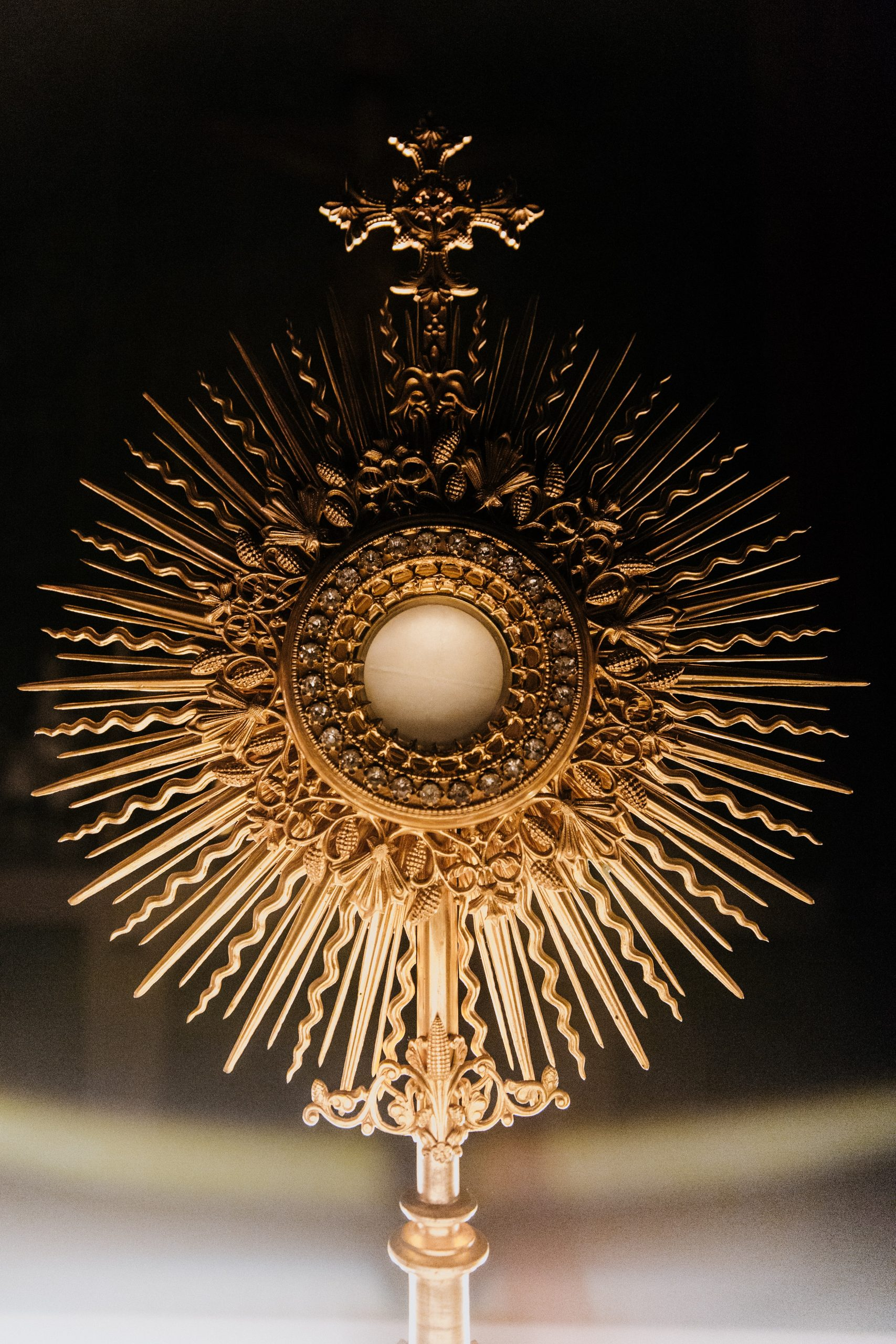 Prayer in front of the Blessed Sacrament